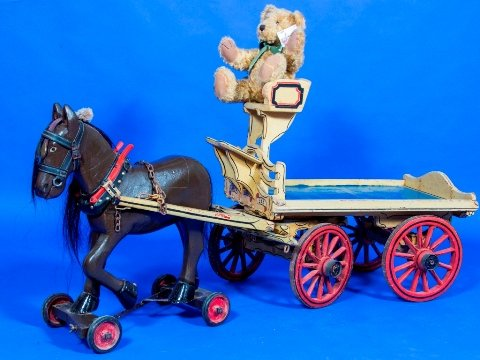 toy carriage set
