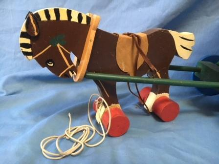 Lines toy horse